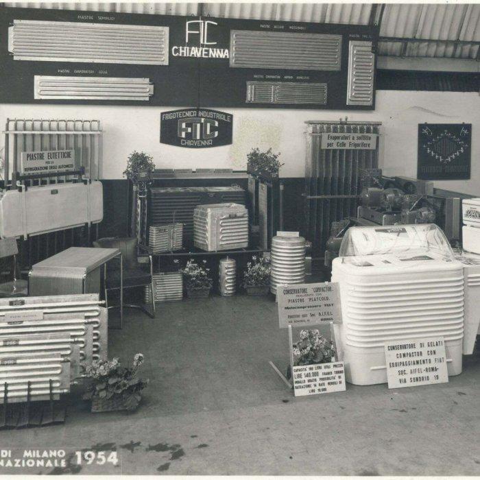 1954 - Prima partecipazione alla fiera internazionale di Milano